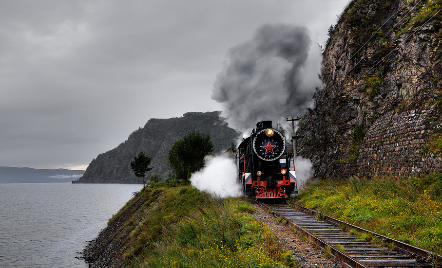 The train goes on the Circum-Baikal Railway
